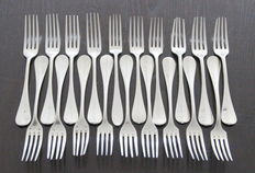 French silver plated spoons and forks, among others. Cailar Bayard, taken over by Christoffle (1919/1934)