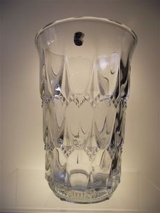 "Val Saint Lambert vase ""Chillon"" from catalogue 1935"