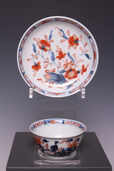 Beautiful Imari cup and saucer – China – first half of the 18th century