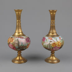 Pair of gold plated brass and porcelain decorative vases, end of the 19th century. Royal Bonn.