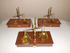 Set of 3 pharmacist scales  - wood and brass - XX century