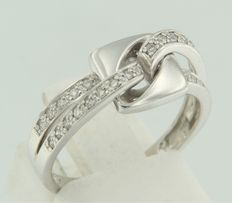 White gold 18 kt ring set with 28 brilliant cut diamonds, ring size 17 (53).