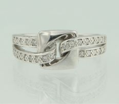 18 kt white gold ring set with 28 brilliant cut diamonds
