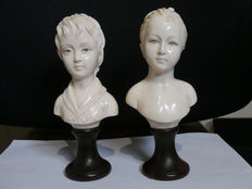 After Jean-Antoine Houdon - a pair of busts of Louise and Alexandre Brongniart very finely carved ivory - France - middle of the 19th century.