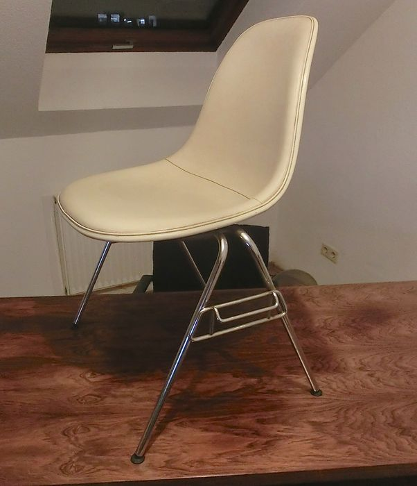 charles ray eames for herman miller stacking chair plastic side