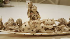 Magnificent Ivory and Shibayama Okimono of the seven immortals on a boat with children - Japan - 19th century