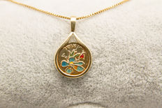 14K yellow gold pendant and necklace 4.42 grams