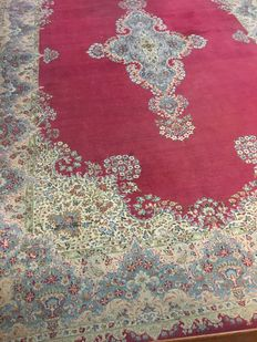 Beautiful hand-knotted original Persian XXL Royal Kirman, exclusively with plant-based colours – approx. 314 x 500 – Persia – signed – free and fast shipping