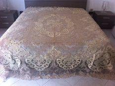 Pure linen double bedspread - pillow lace embroidery - cream colour - Burano - 20th century