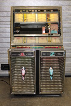 SEEBURG 222 Channel 160 selections Stereo Jukebox with wallbox