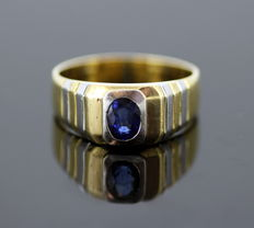 18K Yellow & White Gold Ring With Blue Sapphire 0.75 CT, Made in London 1997