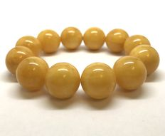 Bracelet of  Baltic amber beads 17,8mm , 38.3 grams
