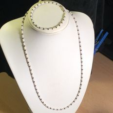 Necklace made with small freshwater pearls and sapphire Rondelle spacer beads – Sterling silver clasp