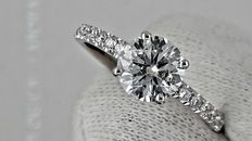 1.25 round diamond ring made of 14 kt white gold - size 6,5
