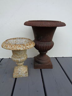 2 cast iron garden vases - model campana - 2nd half of 20th century