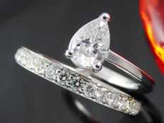 Exclusive ring of 1.00 ct in total set with pear cut diamond - Size 53/16.72 mm