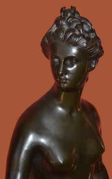 After Jean-Antoine Houdon (1741-1828) - Diane Chasseresse (Diane Huntress), bronze - France - end of the XIX th century