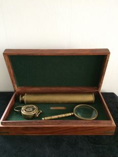 Marine Collection box with 3 nautical items.