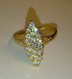 Ring in 18 kt gold set with 0.60 ct diamonds