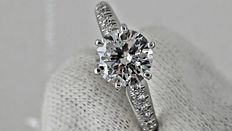 IGL 1.13 ct round diamond ring 14 k gold *** no reserve price ***