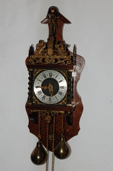 Chair clock from Zaandam with the coat of arms of Amsterdam - 1972