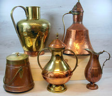 Five large yellow/red copper ornamental vases/pots/utensils