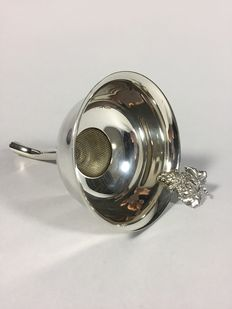 Silver plated decanter funnel, second half 20th century