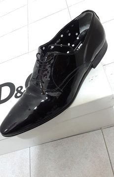 D&G – Elegant laced shoes