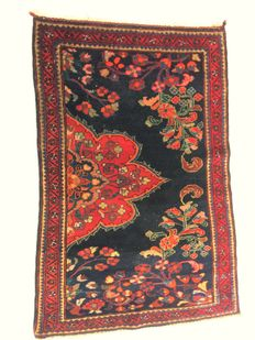 Small hand knotted Malayer Wagireh rug, 1900/1920