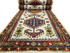 """Yalameh - 272 x 77 cm - """"Runner in natural shades 0 Beautiful condition"""". - Please note! No reserve price: starts at €1,-"""