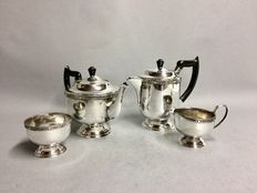 Silver plated tea- and coffee set, Viners of Sheffield, Sheffield, England, ca 1950