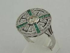 White gold ring in Art Deco style with old European cut diamond and emerald