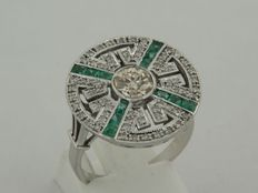14 kt white gold ring in Art Deco style with old European cut diamond and emerald