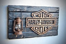 Old style H-D logo & lamp