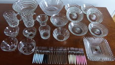 Large, extensive lot of diamond cut crystal glass, 20 pieces