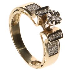 Yellow gold ring set with 25 brilliant cut diamonds