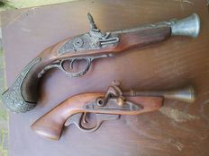 Set flintlock pistols reproduction