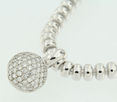White gold 18 kt necklace with a pendant set with brilliant cut diamonds - The pendant is from the LeChic brand