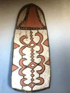 Panel in the shape of a protective shield - Asmat - West-Papua