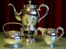 Silver set including stove with pearl rims, importer D.J. Aubert, The Hague/Voorburg, 20th century