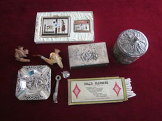 Lot of tobacco and smokers inquisites a.o. meerschaum pipe, lighter, tobacco jar, etc 1st and 2nd half of 20th century