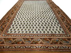 """Mir – 159 x 94 cm. – """"Rug in natural tones in beautiful condition"""". – Note! No reserve price, starts at  €1,-"""