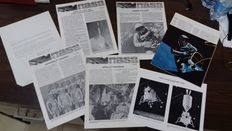 Lot of 5 publications by NASA-Houston-Texas + photos of the scale model of the Apollo Spacecraft service module and lunar module.