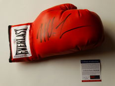 Mike Tyson World Champion Heavyweight Boxing, Everlast glove with original autograph + COA