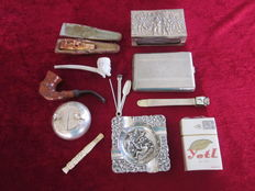Lot of tobacco and smoking inquisites 1st and 2nd half of 20th century a.o. meerschaum and clay bone cigarette pipe, etc.