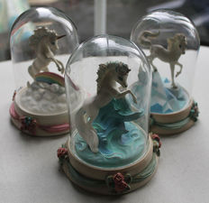 """Franklin Mint - 3 sculptures with dome - """"Unicorn of Wisdom"""", """"Unicorn of Dreams"""", Unicorn of Beauty"""