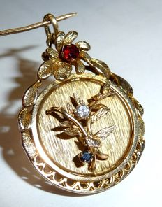 English photo medallion pendant for opening with diamond, sapphire and garnet