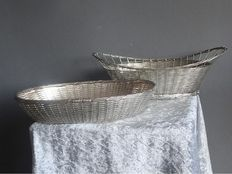 2 large oval braided silver plated bread baskets- England - Ca 1950