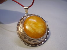 Antique amber pendant with ocean amber from 1930