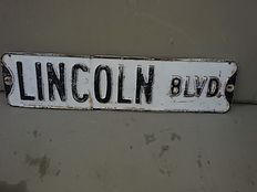 American street sign